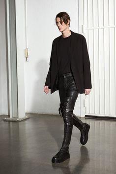 McQ Alexander McQueen Fall 2016 Menswear Collection Photos - Vogue
