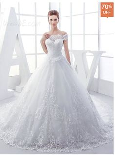 High Quality Appliques Off-The-Shoulder Lace-Up Chapel Train Wedding Dress