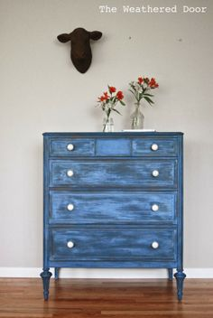DIY Vintage Decor Ideas. I love this blue washed look!