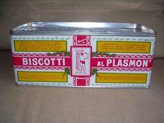 questa scatola piena di biscotti non l'ho mai vista ma mia mamma ci metteva ago e filo