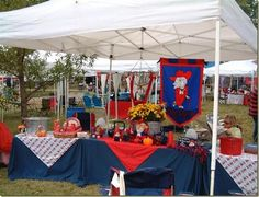 Ole Miss tailgate decor. This is how we do it down South! Tailgate Tent, Tailgate Table, Football Tailgate, Tailgate Parties, Football Season, Ole Miss Tailgating, Tailgating Ideas, Tailgate Decorations, University Of Mississippi