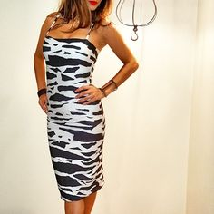 @the_sydney_sider blogger looks amazing wearing the splendour dress