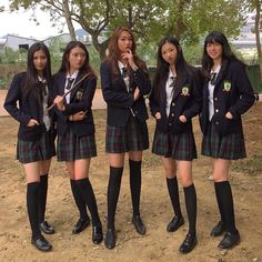 Best 9 Anyway, I tried to get in the middle . School Uniform Outfits, Cute School Uniforms, Girls Uniforms, Japan School Uniform, Redhead Girl, Brunette Girl, Private School Uniforms, Celebrity Casual Outfits, School Girl Dress