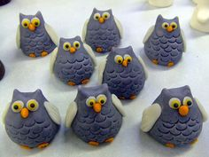 halloween owls made of marzipan