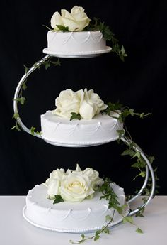 Bröllopstårtor Galleri Beautiful Cake Designs, Beautiful Cakes, Pixie Haircut For Thick Hair, Pixie Haircuts, Thin Hair, Wedding Broom, Pixi Glow Tonic, Rose Oil, Cake Toppers