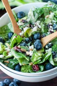 This tasty Blueberry Broccoli Spinach Salad with Poppyseed Ranch is the perfect blend of savory sweetness! Vegetarian and Gluten-Free. Healthy Salad Recipes, Vegetarian Recipes, Cooking Recipes, Vegetarian Salad, Cooking Games, Spinach Salad Recipes, Diet Recipes, Broccoli Recipes, Cooking Classes