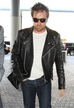 http://liamhubpages.hubpages.com/hub/Best-Mens-Leather-Fashion