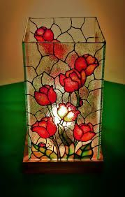 Resultado de imagem para falso vitral en ventanas Stained Glass Paint, Stained Glass Designs, Stained Glass Projects, Stained Glass Patterns, Glass Bottle Crafts, Bottle Art, Mosaic Glass, Glass Art, Painted Glass Vases