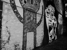 https://flic.kr/s/aHskBoYzEw | Graffiti, Buenos Aires (109) | Graffiti, Buenos Aires (109)