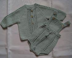 Baby Cardigan Knitting Pattern Free, Knitting Patterns Boys, Knitting For Kids, Crochet For Kids, Crochet Baby, Baby Barn, Knitted Baby Clothes, Baby Pants, Baby Sweaters