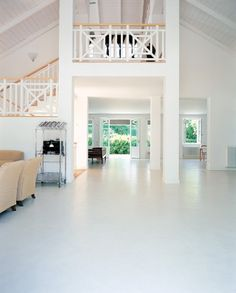 Spatula Lied Resin Floors And Coatings With The Use Of Traditional Techniques Suitable For Seamless Surfaces Spatulated Effects Highlighted To