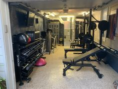 Home Gym Basement, Home Gym Garage, Gym Room At Home, Garage Studio, Dream Home Gym, Best Home Gym, Ideal Home, Garage Organization Tips, Garage Ideas