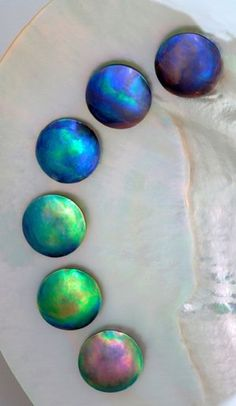 Eyris Pearls colour grading - abalone pearls