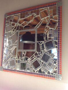Miroir mon beau miroir... Fait maison avec morceau de miroir et mosaïques. (1m x 1m)
