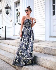 Estampa floral comprimento longo: se separados são poderosos juntos são imbatíveis. A inspiração parte da nossa @camilacoelho com vestido flowy @amarofashion para @optemais. A cara da mulher brasileira! #FhitsTeam #FhitsTips #FhitsTrendAlert