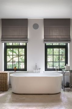 Walt interiors - Villa in S' Gravenwezel Modern Country Style, Coastal Style, Evergreen House, Living Room Blinds, Villa, Country Interior, Bathroom Goals, Cool Curtains, Bathroom Interior Design