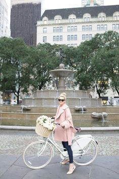 I want to ride around with a basket full of beautiful flowers // Atlantic-Pacific: // Chloé Eau de Parfum Chloe Paris, Mode Style, Style Me, Hair Style, Atlantic Pacific, Cycle Chic, Mode Inspiration, Autumn Winter Fashion, Fall Winter