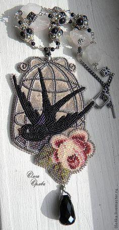 Купить Кулон с ласточкой - бежевый, ласточка, кулон с цветком, роза, модерн, винтажный стиль
