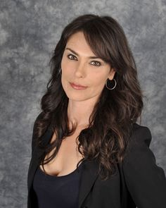 """Michelle Forbes - True Blood - Star Trek - Very cool lady. Would not stop talking even when her security told her they needed to leave. She laughed and said """"I'm not going anywhere until I'm ready."""""""