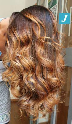 Sfumature perfette _ Degradé Joelle Seguite la J! #cdj #degradejoelle #tagliopuntearia #degradé #igers #musthave #hair #hairstyle #haircolour #longhair #ootd #hairfashion #madeinitaly #wellastudionyc