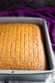 Sponge Sheet Cake Recipe, Sheet Cake Recipes, Sponge Cake Recipes, Easy Cake Recipes, Apple Recipes, Moist And Fluffy Vanilla Cake Recipe, Baby Shower Sheet Cakes, Vanilla Sheet Cakes, Diet