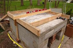 forming up the vermiculite insulating base