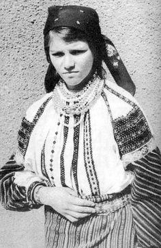 Kik a csángók? Lany, Ethnic, Folk, Costumes, Image, Women, Traditional, Google, Fashion