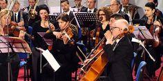 Perlat e muzikës shqiptare në sheshin Skëndërbej