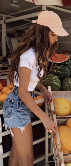 Summer Day Outfits, Summer Fashion Outfits, Short Outfits, Spring Summer Fashion, Cute Outfits, Casual Outfits, Spring Style, White Shorts Outfit Summer, Beautiful Outfits