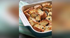 Apple Pecan Bread Pudding Healthy Dips, Healthy Protein, Healthy Eating Recipes, Lil Sweet, Unsweetened Applesauce, Whole Grain Bread, Pecan, Dessert Recipes, Desserts