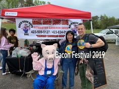 So much fun at the BaCON Festival at the Tri-State Arena in TN. Great food, arts n crafts and music. See all the fun we had and join us next year! Bbq Boys, Bacon Festival, Bacon Videos, Cleveland Tn, Best Bacon, Bacon Recipes, Great Recipes, Yummy Food, Festivals
