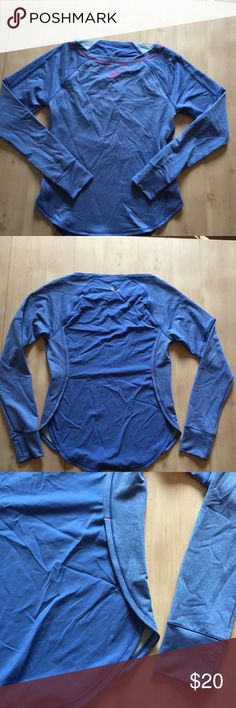 The North Face running top blue pink Sz M The North Face Running top long sleeve thumb holes ! blue Sz M EUC The North Face Tops Tees - Long Sleeve