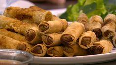 Forårsruller med rispapir er en lækker asiatisk opskrift fra Go' morgen Danmark, se flere kødretter på mad.tv2.dk