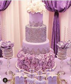Modest retrieved quinceanera party ideas Get Free Purple Wedding Cakes, Beautiful Wedding Cakes, Beautiful Cakes, Sweet 16 Birthday Cake, Purple Birthday, Purple Party, Sweet 16 Decorations, Quince Decorations, Purple Sweet 16
