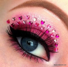 I have 12 Valentine's Day heart eye makeup looks & ideas of 2016 for girls & women. Eye Makeup Art, Eye Art, Makeup Geek, Eyeshadow Makeup, Eyeliner, Day Makeup Looks, Creative Makeup Looks, Love Makeup, Sweet Makeup