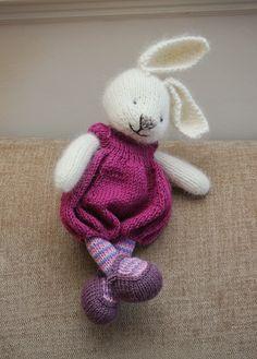 Trendy knitting for kids dress little cotton rabbits ideas Knitting For Kids, Loom Knitting, Knitting Projects, Baby Knitting, Crochet Projects, Knitting Ideas, Knitting Toys, Free Knitting, Knitted Bunnies