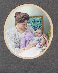 Empress Alexandra Feodorovna of Russia with her fourth daughter Grand Duchess Anastasia Nicholaievna of Russia, Post Mortem Pictures, Familia Romanov, Alexandra Feodorovna, Colorized Photos, Imperial Russia, Beautiful Castles, Eastern Europe, Anastasia, Vintage Photographs