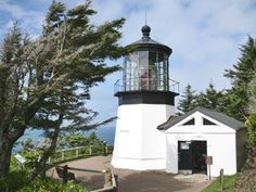 Photographs, history, travel instructions, and GPS coordinates for Cape Meares Lighthouse.