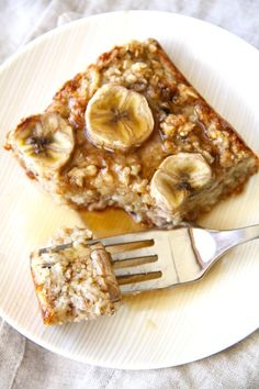 This healthy bread pudding is refined sugar free, easily made gluten-free, and packed with fiber and protein. Perfect for those on-the-go mornings.