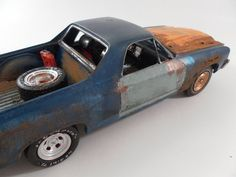 1970s El camino 1/24 scale model car in blue and yellow