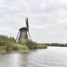 I like windmills. Here's one in Kinderdijk. It is even a UNESCO world heritage site. #kinderdijk #netherlands #travel #holland #reiseblog #reisen @KinderdijkMills Travel tips, attractions