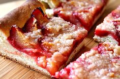 Plum Cake - Pflaumenkuchen  - my mom used to make this ALL the time! <3