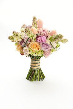 Wedding Magazine - Lookbook: mixed wedding flower ideas