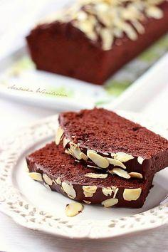 chocolate cake with egg whites Polish Desserts, Polish Recipes, Pie Cake, Happy Foods, Food Cakes, Chocolate Cake, Cake Recipes, Sweet Tooth, Sweet Treats