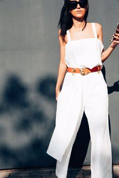 8d4ef0cab Francesca Monfrinatti veste macacão branco com babados Artsy Brasil, street  style