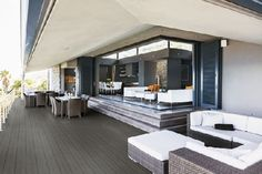Homeplaza - Terrassendielen und Sichtschutzzäune für das grüne Wohnzimmer - Ein stimmiges Gesamtbild