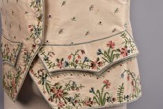 Lot:GENTS SILK EMBROIDERED WAISTCOAT, 18th C., Lot Number:527, Starting Bid:$150, Auctioneer:Charles A. Whitaker Auction Co., Auction:GENTS SILK EMBROIDERED WAISTCOAT, 18th C., Date:05:00 AM PT - Oct 29th, 2016