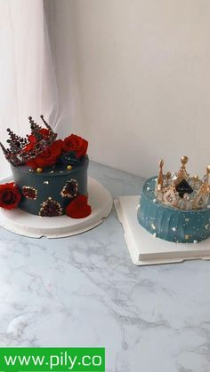 Cake Decorating Frosting, Cake Decorating Videos, Cake Decorating Supplies, Cake Decorating Techniques, 19th Birthday Cakes, Birthday Cake Girls, Cake Baking Supplies, Turntable Cake, Cake For Boyfriend