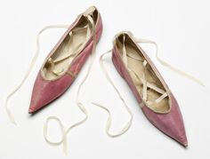 An Article To Help You Better Understand Shoes. Do you realize how many different types of shoes there are? Are you aware of how to find the greatest shoe deals? Jane Austen, Brogues, Loafers, Regency Dress, Regency Era, Zoom Iphone, Iphone 5c, Shoe Deals, Buy Shoes Online