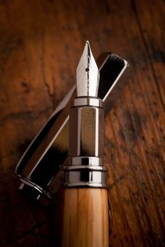 Maker's Mark® Barrel Rollerball & Fountain Pen | Bourbon & Boots #GiftsforMen #men #mancave #modernman #Europens #MakeYourMark LINK: www.europens.co.uk